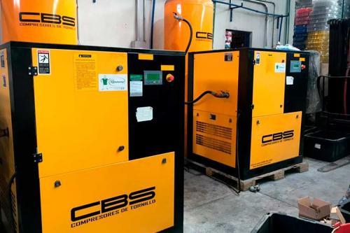 Tandem-compresor-de-30-hp-instalado-en-Fabrica-de-plásticos-en-Guadalajara,-Jal